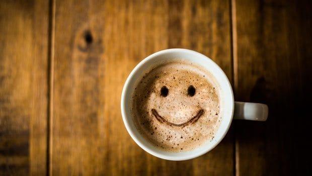 erken uyanmak için sabah kahvesi