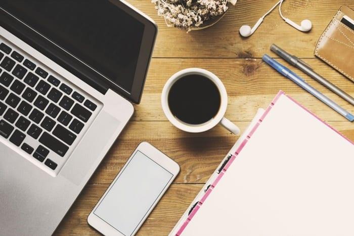 Ofis masasında neler olmalı- Ofis masası düzeni - ofis masasında bulunanlar - ofis masasında ne olu -, ofis masasında olmazsa olmazlar - ofis çalışma masasında neler olmalı